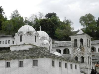 Една пролетна разходка до манастира Богородица Икосифиниса