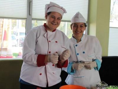 Момичета от Гоце Делчев на кулинарен фест в Полша