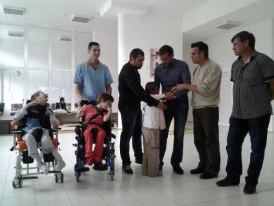 Кандидат депутати от БСП направиха дарение на деца с увреждания