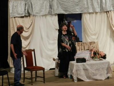 Фурията Стоянка Мутафова зарадва неврокопчани с невероятния си дух и талант