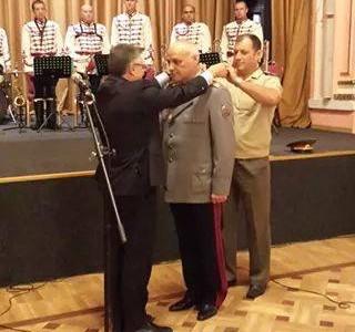 О.з. генерал Атанас Самандов вече е секретар по отбраната на президента Плевнелиев