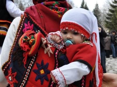 Шест двойки близнаци и още 182 бебета са увеличили населението на Разлог и общината