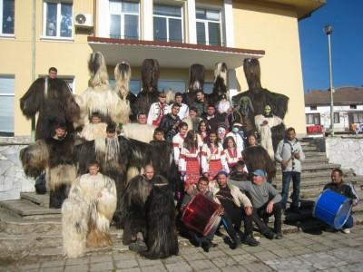 Кукери в Копривлен и бабугери в Кали Вриси прогониха злото от двете села