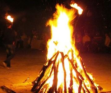 Две деца и учителят им обгоряха от факли в с. Гърмен