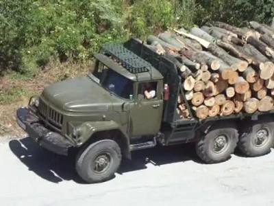 Горски и автомобилни инспектори започнаха проверки за претоварени камиони с дърва