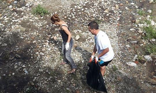 Повече от 200 души чистиха и събираха отпадъци в Гоце Делчев и околностите