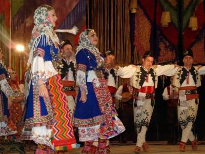 Неврокопският ансамбъл ще танцува в Гърция