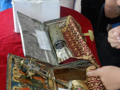 Поклонение пред мощите на Свети Йоан Кръстител и Света Параскева