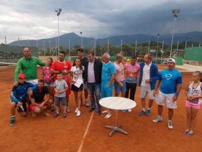 Александра Самандова и Васил Марков спечелиха срещу Мариян Ловков и Павлин Прокопов първия за годината тенис турнир в Гоце Делчев