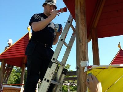 """Млади доброволци от Германия помагат в летния ремонт на Дневния център """"Символ на любовта"""" в гр. Гоце Делчев"""