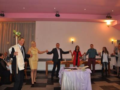 Кметът на Разлог и съпругата му отбелязаха сребърната си сватба с още 80 семейни двойки юбиляри