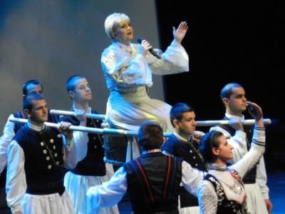 Николина Чакърдъкова: Спирам да танцувам, но ще пея до 100 години