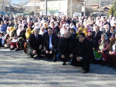 Четирима депутати използваха празника Куртулуш Байрам да обяснят на електората какво се случва по върховете на ДПС