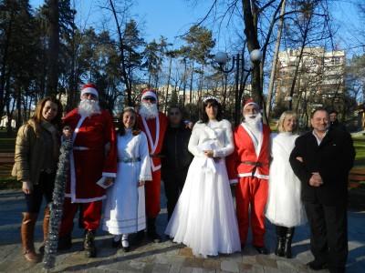 Кметът на Гоце Делчев връчи наградите от двата коледни конкурса в градския парк