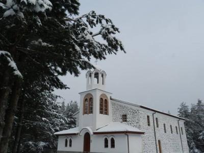 Село Попови ливади вече има и свой пощенски код