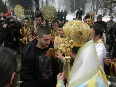 Николай Лефтеров хвана кръста в Гоце Делчев