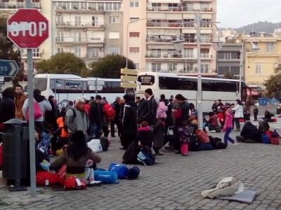 Бежанците стигнаха до Драма, Бойко Борисов разпореди да вдигат по тревога военно учение по границата с Гърция и Македония