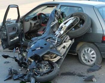 """Тежко катастрофирал мотоциклетист от Гоце Делчев е транспортиран по спешност в """"Пирогов"""""""