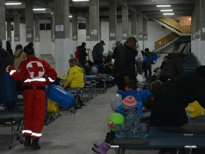 Снощи в Драма пристигнаха първите 350 бежанци от Сирия и Ирак