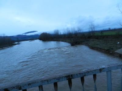Водите на река Места край град Хаджидимово са на критично ниво, голям транспортен мост е в опасност