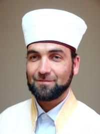 С декларация от религиозна конференция мюсюлманите за снимки за паспорт на жените със забрадки и  за джамия в Гоце Делчев