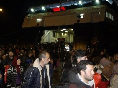 Нови 2500 бежанци пристигат тази вечер на пристанището в Кавала