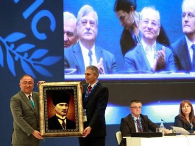Алиосман Имамов поздрави новия лидер на ДПС с цитати от корана