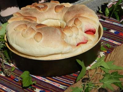 В село Баничан някога не слагали козунак и агне на Великден, а пастърма и колак с червено и бели яйца