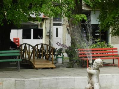 Обновиха градинката край фонтана в Гоце Делчев