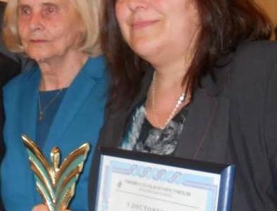Преподавателката по литература Ангелина Маркова и майката на президента Славка Плевнелиева са наградени с отличията учител на годината и учител – ветеран