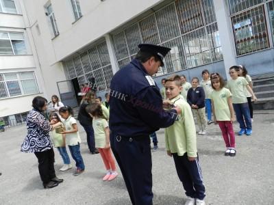 Млади доброволци положиха клетва в Детско полицейско управление