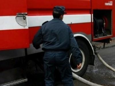 Късо съединение причини пожар в шивашки цех, щетите са минимални