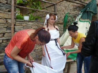 Млади дизайнери на етно пърформанс в Ковачевица