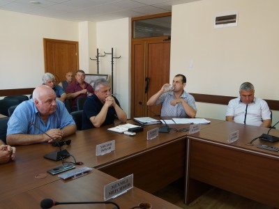 Самолетите спират да пръскат срещу комари, за да останат пчели в Гоцеделчевско