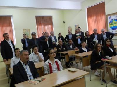 """Учениците от ПМГ """"Яне Сандански"""" в Гоце Делчев имат шанс за по-високи стипендии"""