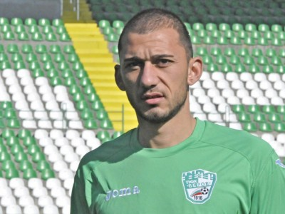 Виктор Шишков смени гръцки отбор с Локо ГО