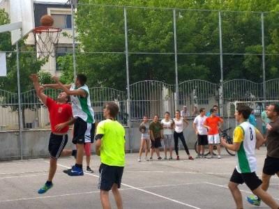 14 отбора целиха коша в турнир по стрийтбол в град Гоце Делчев