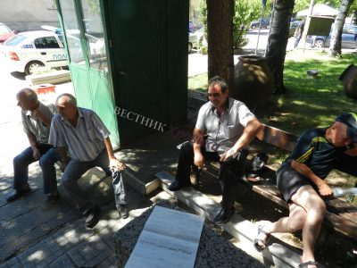 Пчелари от Гоце Делчев и Банско направиха опит да блокират пътя за Гърция, привикаха ги в полицията