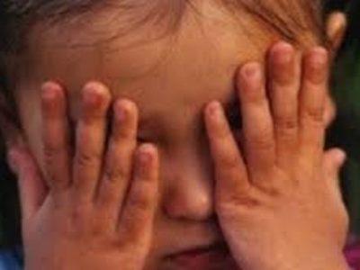 В България все още не е осигурена ефективна защита на децата-жертви и свидетели на домашно насилие, ефективна защита на  децата-жертви срещу сексуално насилие, въпреки съществуващите законови разпоредби; не се осигурява  връзка и достатъчна защита на децата при  насилие срещу майката, бавят се недопустимо и необосновано производствата за защита срещу насилника