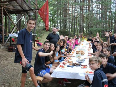 Деца от центрове за настаняване от семеен тип от цялата страна са на творческа ваканция в Ковачевица