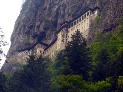 Ердоган забрани служби в историческия манастир Панагия Сумела за Богородица