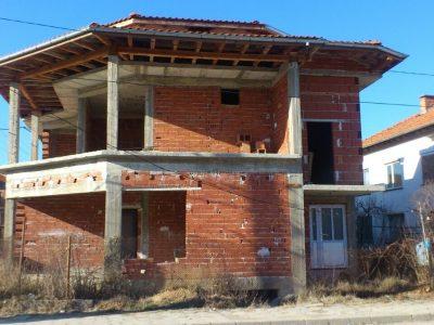 Продава се къща в центъра на село Борово, край Гоце Делчев