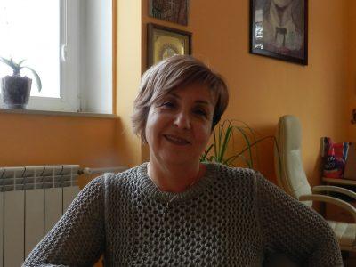 Директорът Елка Божикова: Американското образование е практично, но нашите деца имат по широки познания за света