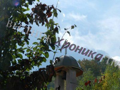 В село Средна край Гоце Делчев черквата е Света Неделя, но раздават курбан на Петковден