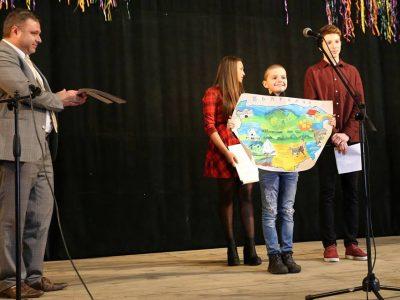 """Ротарианци от Гоце Делчев наградиха деца в конкурса """"Аз обичам България"""""""