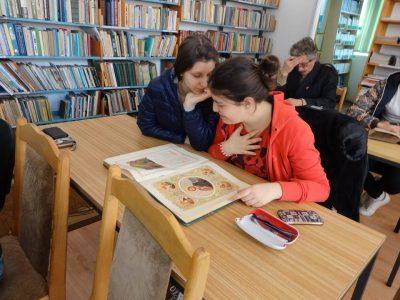 Коледна благотворителна инициатива на Сдружението на предприемачите в регион Гоце Делчев, в помощ на градската библиотека