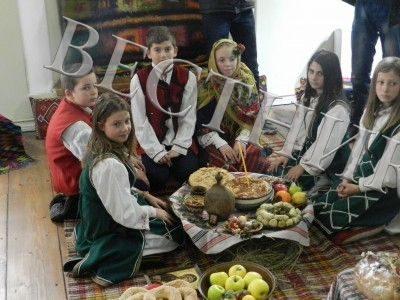 """Ой, Коледо, мой Коледо…"" в общинския исторически музей на Гоце Делчев"