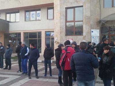 Министър Павлова прехвърли топката за гетото край Гърмен у кмета Капитанова