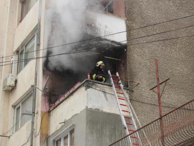 Пожар от неугасена пепел от печка на твърдо гориво в град Гоце Делчев