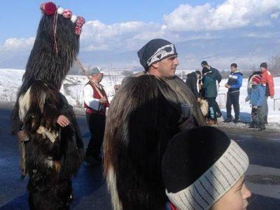 Кукери прогониха злите духове от село Садово